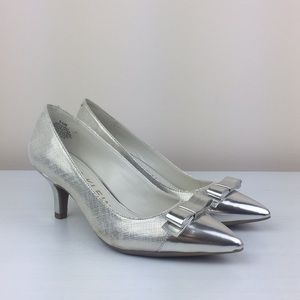 Anne Klein - Flouncy Metallic Bow Heels